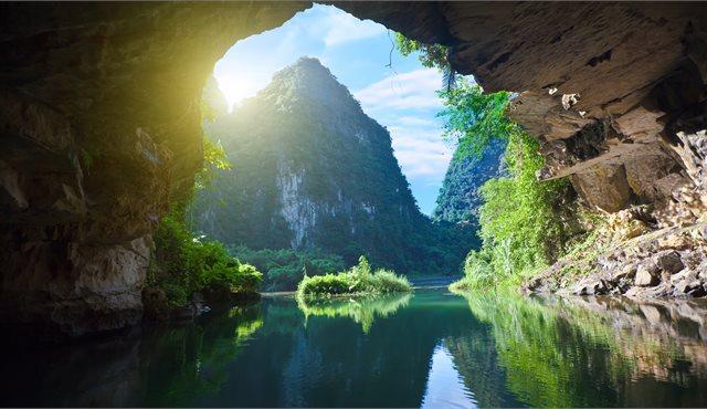 Blog: Top 10 Things To Do: Vietnam, Cambodia & Laos