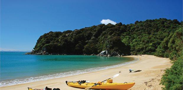 Abel Tasman National Park | Kayak & Walk