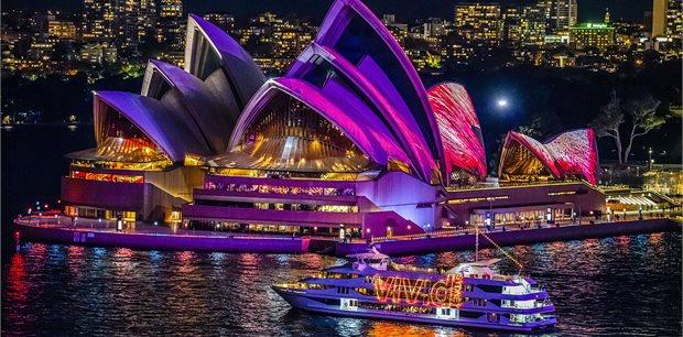 Vivid Sydney | Captain Cook Cruises