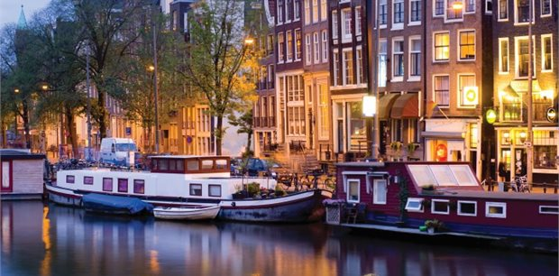 Amsterdam with Air New Zealand & Singapore Airlines - Premium Economy