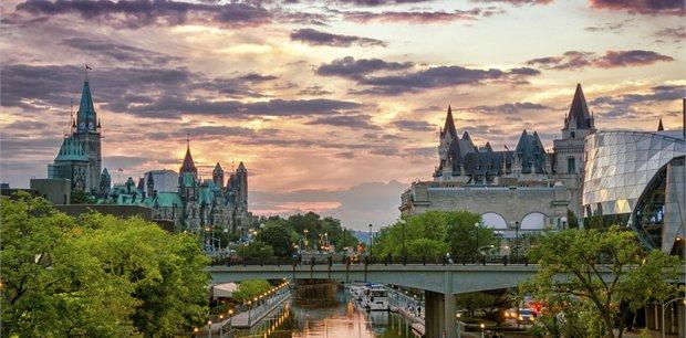 Adventure World Travel | Eastern Canada by Rail