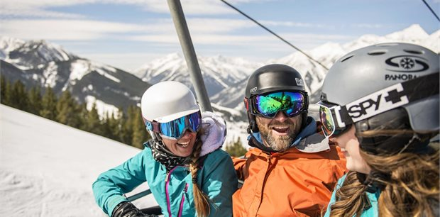 Ski Canada   Ski Panorama Family Package  Canada