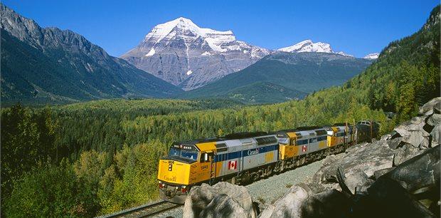Adventure World Travel | Mountains, Lakes & Glaciers