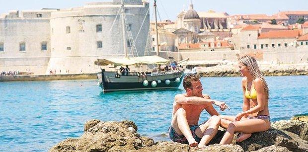 Contiki | Croatia Island Escape(Below deck cabin,Start Split, End Split)