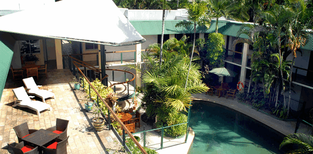 Bay Village Tropical Retreat and Apartments, Cairns
