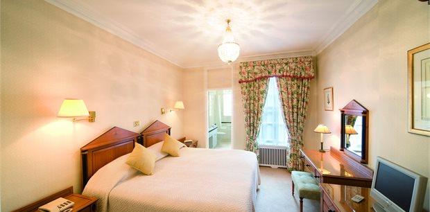 44 Curzon Street Apartments, London