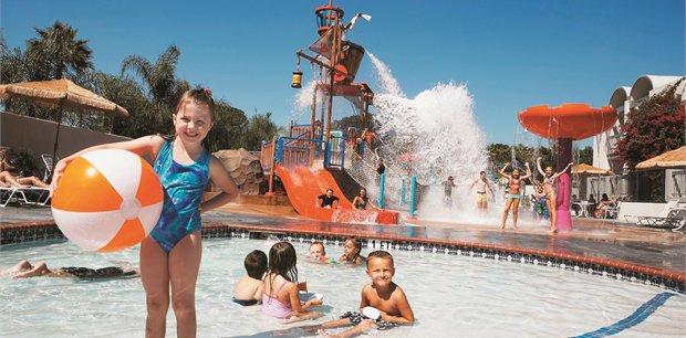 Howard Johnson Hotel & Water Playground