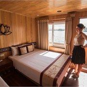 Intrepid | Halong Bay Junk Cruise