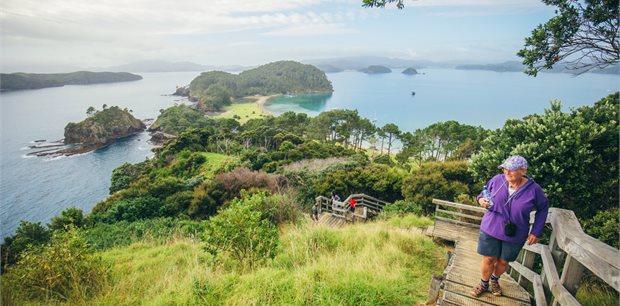 Intrepid   New Zealand North Island Explorer Northbound